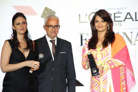 Aishwarya Rai at the L'oreal Paris Femina Women Awards 2012