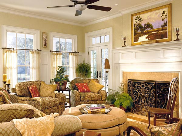 Classical Family Room Design with Comfortable Furniture looks so Warm