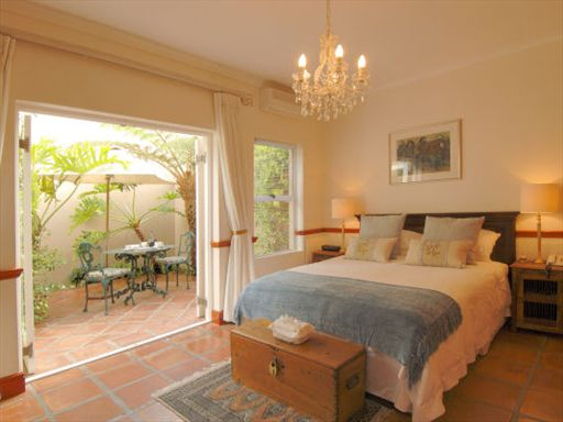 somerset west spanish farm guest lodge