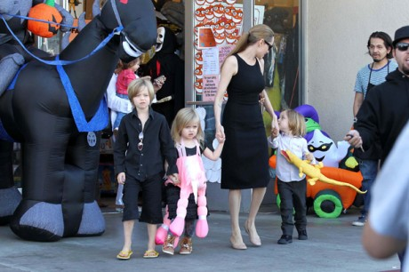 Angelina Jolie and kids get into the Halloween spirit with costume shopping