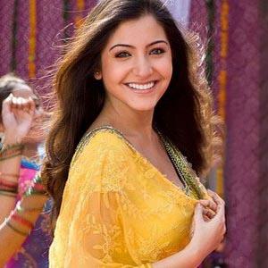 Anushka Sharma smile