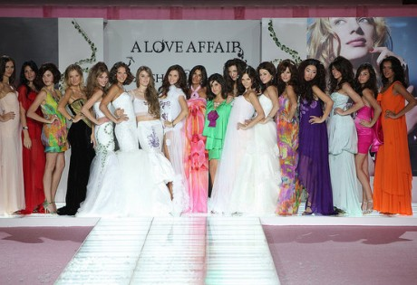 Fashion designer Aiisha Ramadan and jewellery creator Victoria Casal