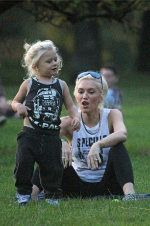Gwen Stefani enjoyed the beautiful weather in London with her son Zuma