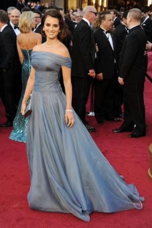 Penelope Cruz  in 2012 Oscars Red Carpet
