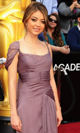 Sarah Hyland in 2012 Oscars Red Carpet