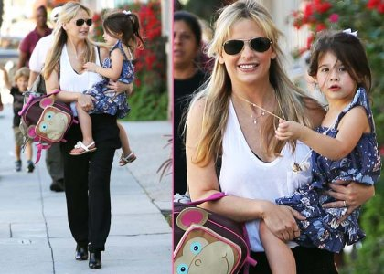 Sarah Michelle Gellar's Mommy-Daughter Stroll in Santa Monica