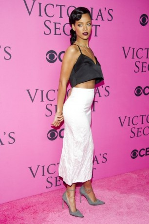 Rihanna arrives to The Victoria's Secret Fashion Show