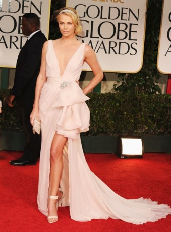 best dressed golden globes charlize theron 2012