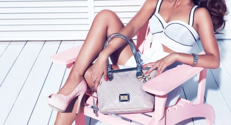 guess-holiday-accessories-campaign-7
