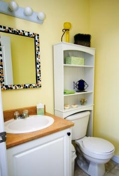small bathroom decorating