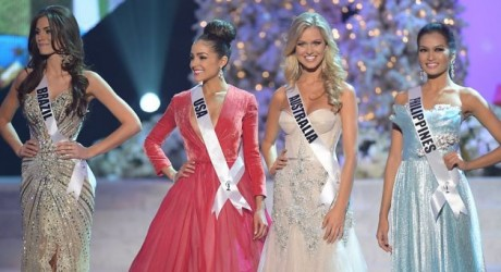 Miss Brazil, Gabriela Markus (L); Miss USA, Olivia Culpo (2nd-L); Miss Australia, Renae Ayris (2nd-R); and Miss Philippines, Janine Tugonon (R) stand on stage during the 2012 Miss Universe Pageant