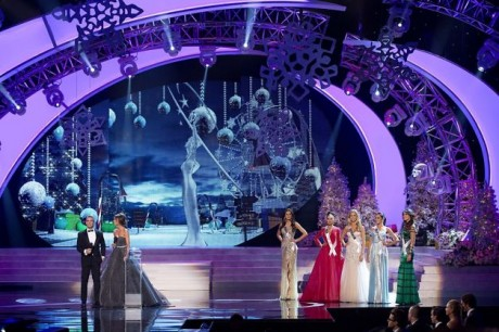 Miss Universe hosts Andy Cohen, left, and Giuliana Rancic, introduce the final round of competition