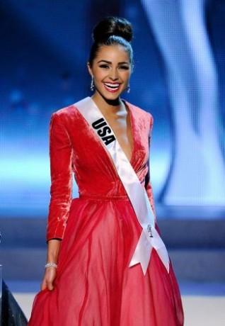 Miss USA 2012, Olivia Culpo, smiles