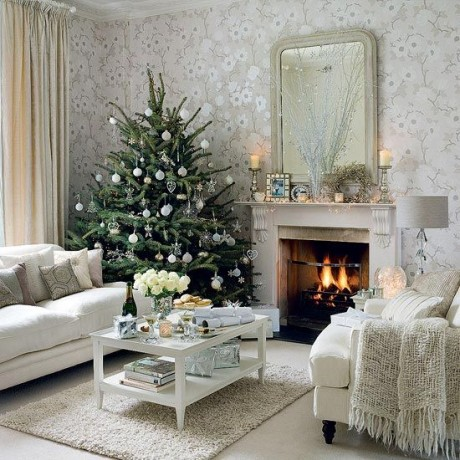 Beautiful Christmas Tree Decorating