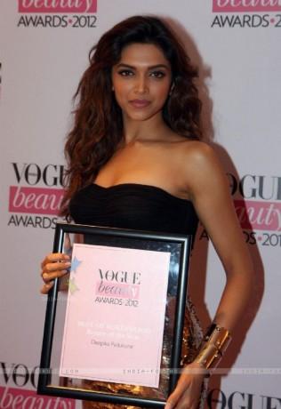 Deepika padukone Vogue beauty awards 2012