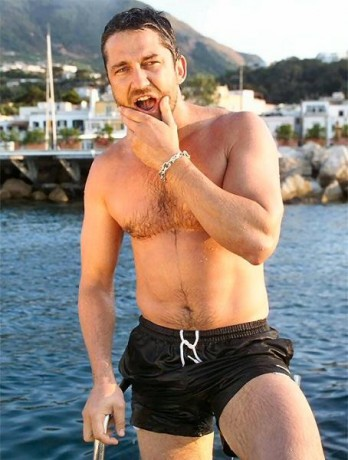 Gerard James Butler Hot