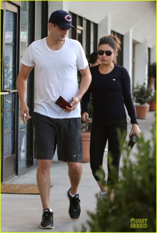 Mila Kunis and Ashton Kutcher Hit Up Pamapered Foot