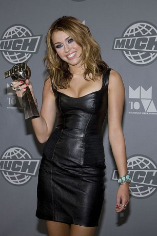 Miley Cyrus Win Award