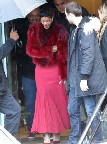 RIHANNA Red Coat
