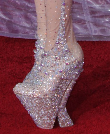lady gaga grammy shoes