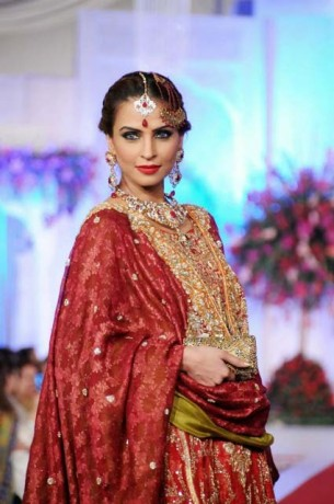Sonar Bridal Jewellery Collection At Bridal Couture Week with Red Dress