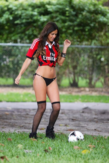 CLAUDIA ROMANI in Bikini Bottoms
