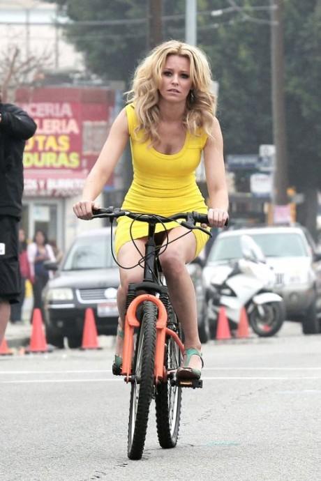 Elizabeth Banks Cycling Hot Yellow Mini Dress