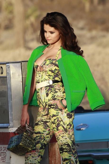 Selena Gomez Beautiful Dress