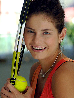 Beautiful Julia Goerges Hot Images