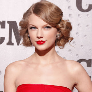 Taylor Swift Short Vintage Hairstyles