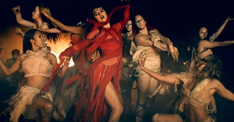Selena Gomez red hot in music video