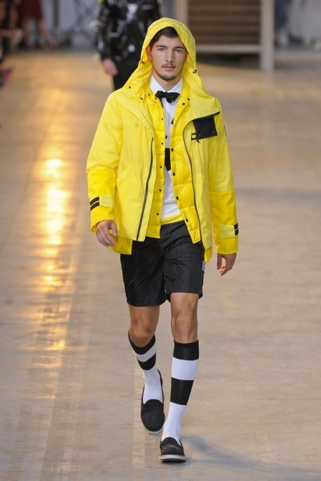 Bright Yellow For Men wear Without Compromising  2013 Style