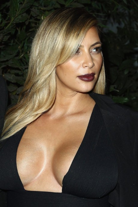 Kim Kardashian Hot Dress Photo