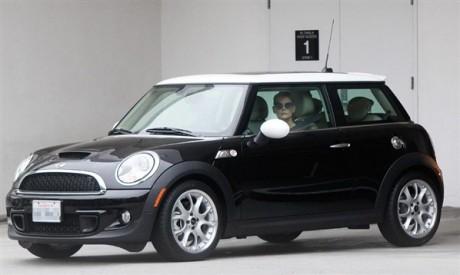 Katie Holmes Luxury Car Photo