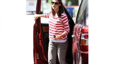 Jennifer Garner Luxury Car Photos