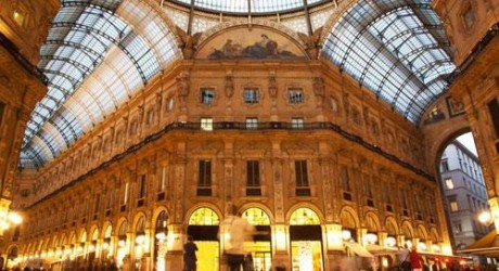 Milan Luxury Shopping Place Pictures