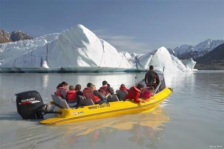 Tasman Glacier boat ride