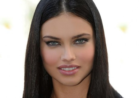 Beautiful Actress Adriana Lima Pics