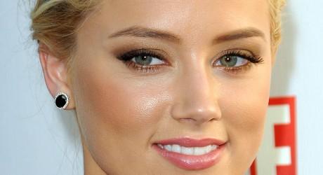 Hot Actresses Amber Heard Photos