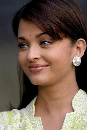 Aishwarya Rai Bachchan Pictures