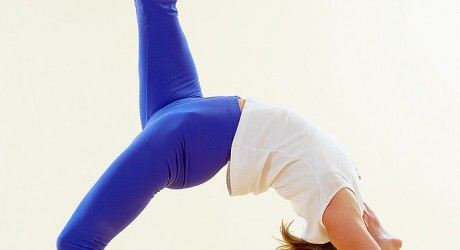 5 Important Tips to Protect Wrists in Yoga