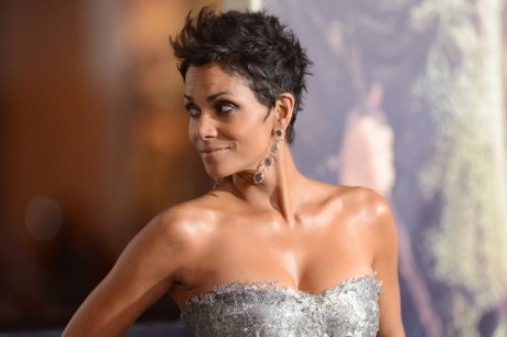 Halle Berry Hot Photos