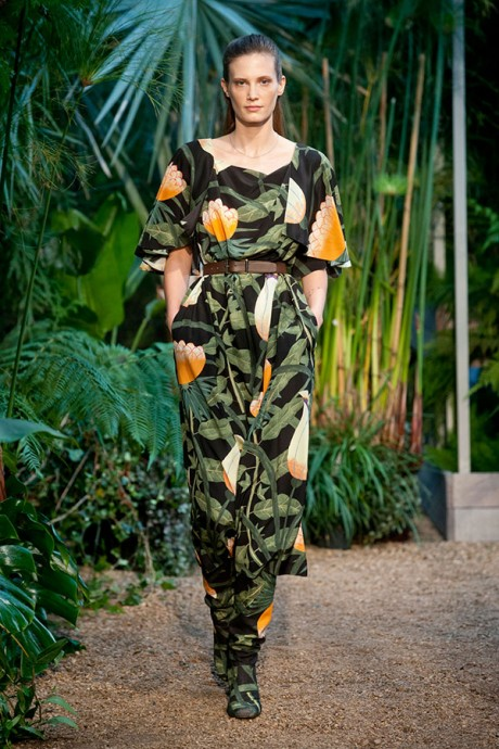 New York Fashion Week 2014 Fabulous Dresses Exhibition