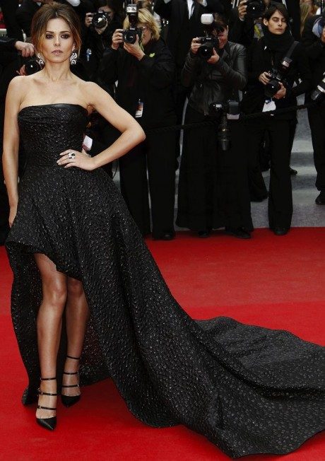 Cheryl Cole Hot Black dress Pictures on Red Carpet