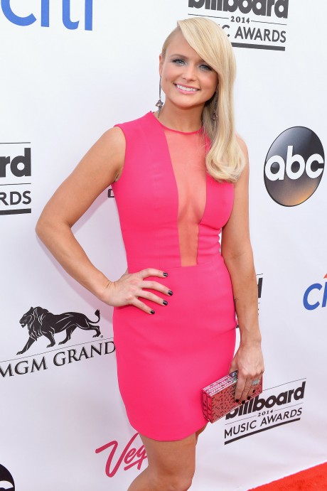 "Miranda Lambert Opts For ""Easy Living"" and a Healthier Life"
