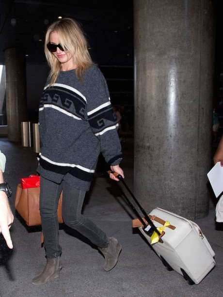 What Celebs Wear to Stay Comfortable While Traveling