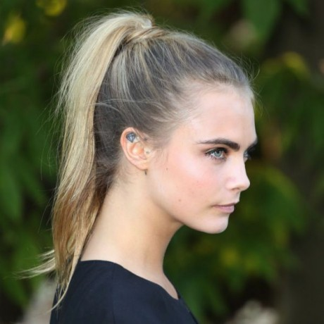Banish Summer Sweaty Neck Syndrome with Cara Delevingne's Sporty Pony