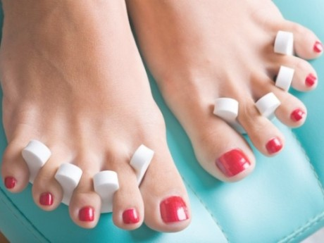 DIY Pedicure tips for sexy spring soles
