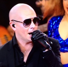 Pitbull Performs 'Fireball' & More At Cowboys' Thanksgiving Show