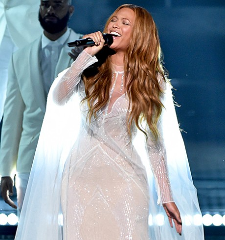 Beyonce at Grammys Awards 2015